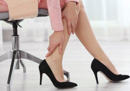 足のむくみを解消して美脚へ!むくみの原因と効果的な解消法