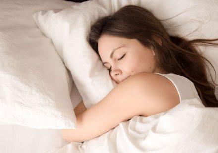 睡眠が美容にいいのはなぜ?美容効果を高める睡眠のポイント
