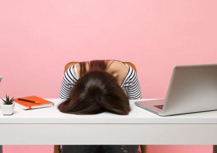 なかなか疲れが取れないあなたに。疲れの原因とおすすめの疲労回復方法